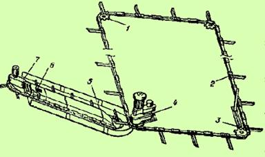 Лента горизонтального транспортера движется запчасти к конвейерному оборудованию